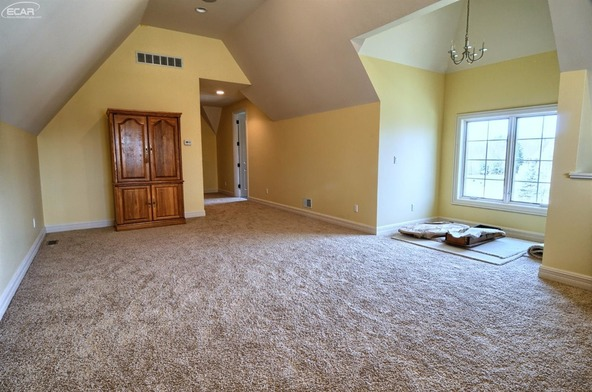 8211 Pine Hollow Trail, Grand Blanc, MI 48439 Photo 45