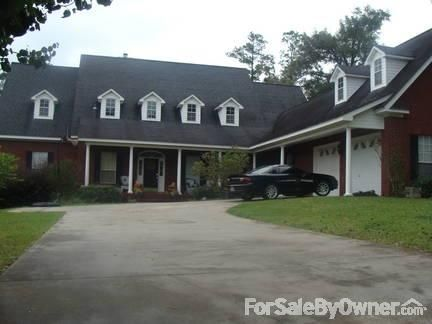 202 Oak Ridge Ct., Brewton, AL 36426 Photo 2