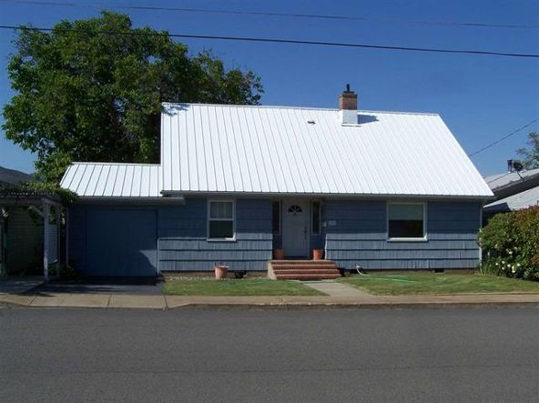 616 Jackson, Yreka, CA 96097 Photo 1
