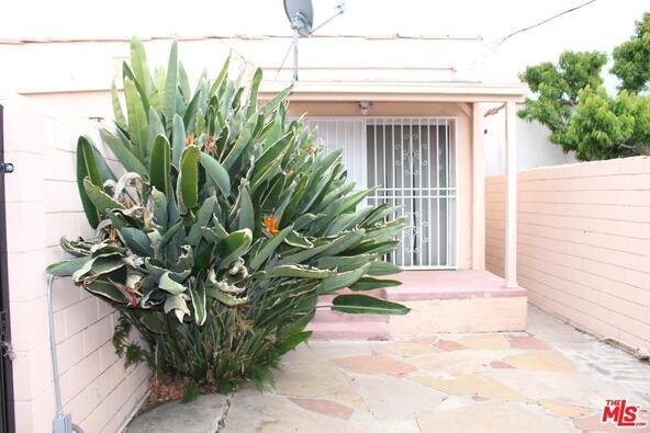 5813 S. Van Ness Ave., Los Angeles, CA 90047 Photo 5