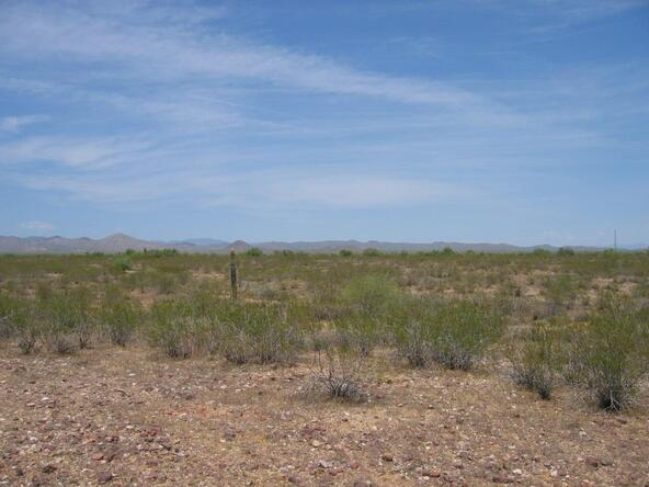 21900 W. Restin Rd., Wittmann, AZ 85361 Photo 2