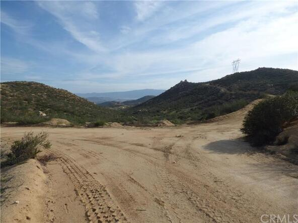 95 El Toro, Lake Elsinore, CA 92532 Photo 17