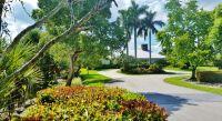 Home for sale: 825 Whippoorwill Isle(S.) N., West Palm Beach, FL 33411