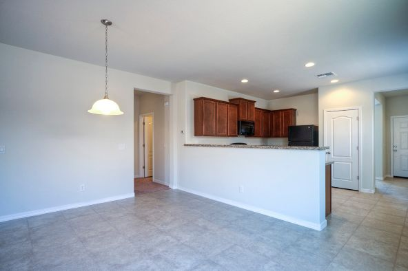 8212 West Kittiwake Lane, Tucson, AZ 85757 Photo 2