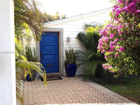 545 Warren Ln., Key Biscayne, FL 33149 Photo 2