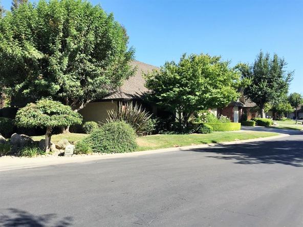2555 W. Bluff Avenue, Fresno, CA 93711 Photo 5