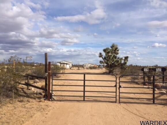 21570 S. John Wayne Rd., Yucca, AZ 86438 Photo 32