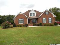 Home for sale: 32 Cedar Trace Dr., Hartselle, AL 35640