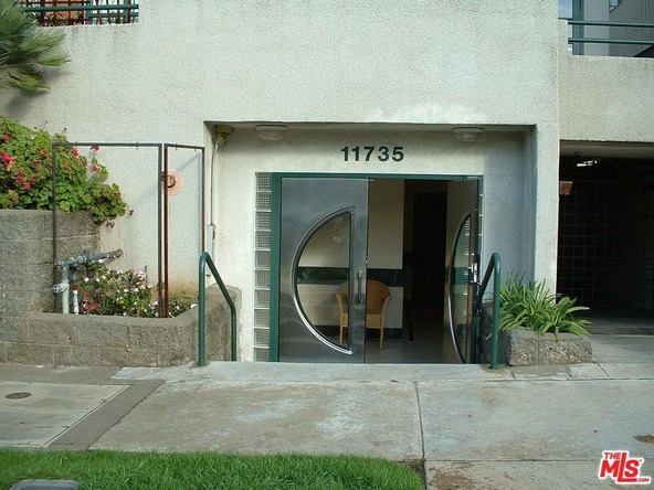 11735 Dorothy St., Los Angeles, CA 90049 Photo 2