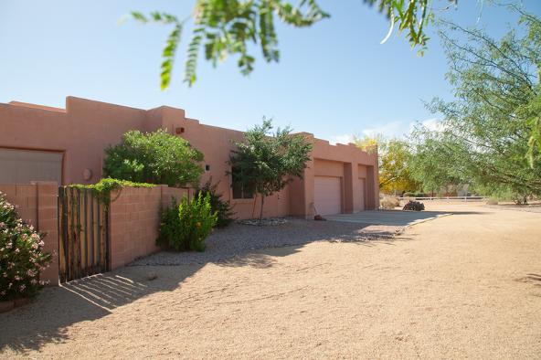 1748 W. Desert Hollow Drive, Phoenix, AZ 85085 Photo 4