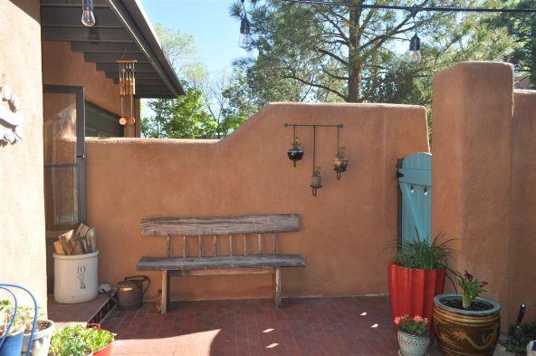 354 Calle Loma Norte, Santa Fe, NM 87501 Photo 22