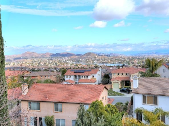 29 Vista Palermo, Lake Elsinore, CA 92532 Photo 2