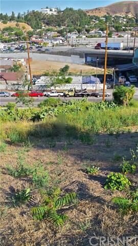 1938 N. Seigneur Avenue, Los Angeles, CA 90032 Photo 2