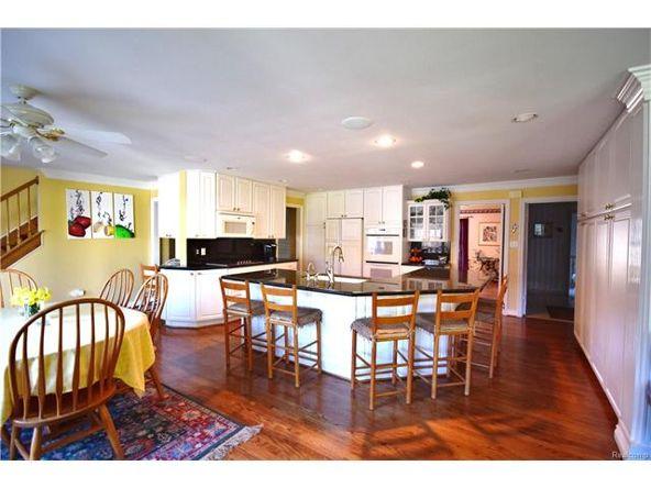 800 Sunningdale Dr., Grosse Pointe Woods, MI 48236 Photo 3