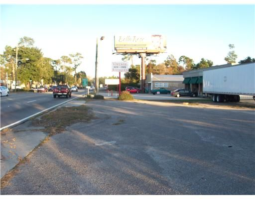 2033 East Pass Rd., Gulfport, MS 39501 Photo 5