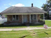 Home for sale: 421 West Franklin St., Hartford City, IN 47348