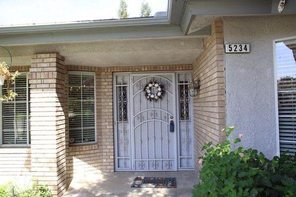 5234 West Spruce Avenue, Fresno, CA 93722 Photo 7
