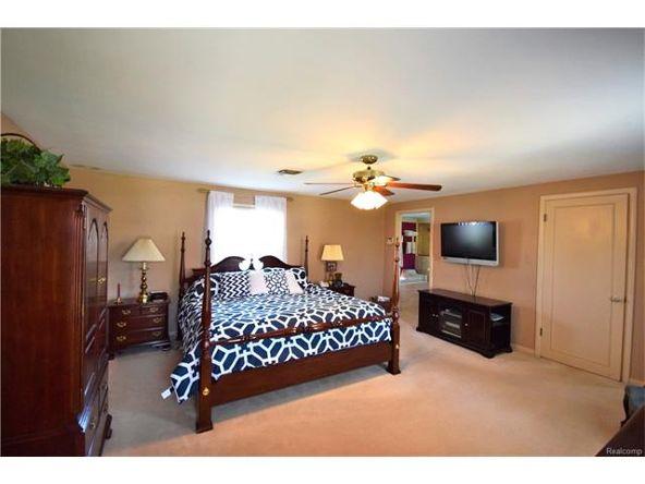 800 Sunningdale Dr., Grosse Pointe Woods, MI 48236 Photo 22
