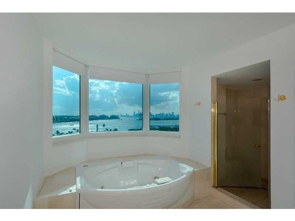 300 S. Pointe Dr. # 1001, Miami Beach, FL 33139 Photo 9