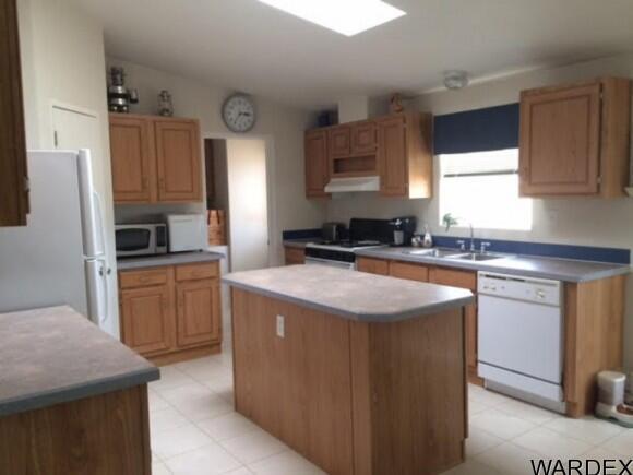 21570 S. John Wayne Rd., Yucca, AZ 86438 Photo 2