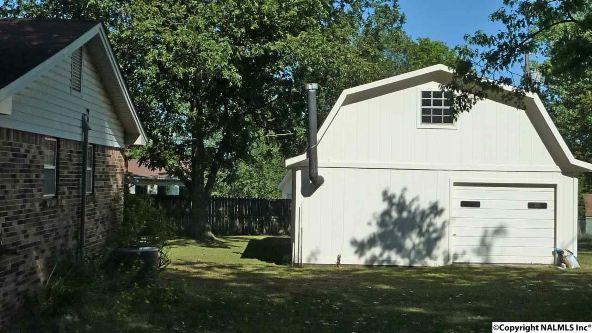908 Wildwood Rd. S.W., Decatur, AL 35601 Photo 2