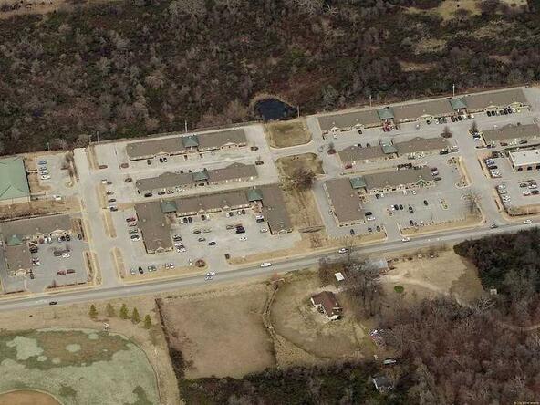 809 S.E. 28th St. Unit #3, Bentonville, AR 72712 Photo 2