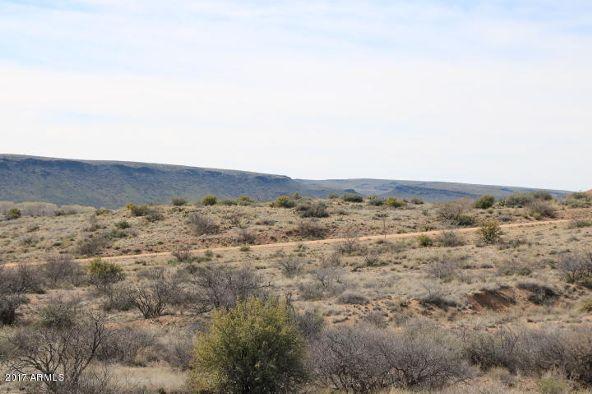 7800 S. Rolling Hills Dr., Kirkland, AZ 86332 Photo 3