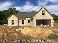 Home for sale: 102 Highland Cove, Senatobia, MS 38668