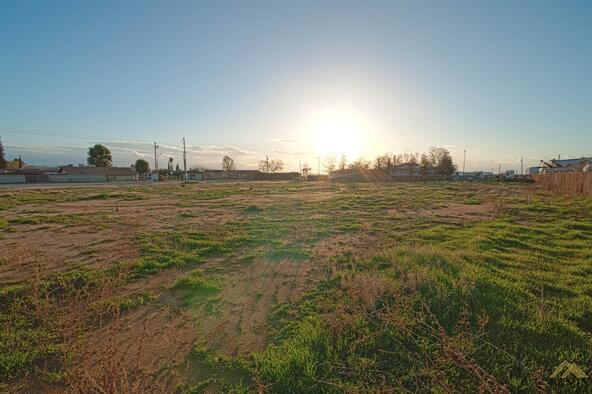 1 Petrol Rd., Bakersfield, CA 93308 Photo 4