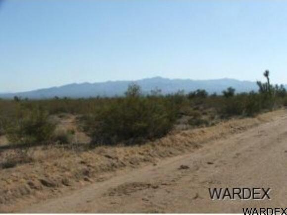 Par 2097 Wild Bill Rd., Yucca, AZ 86438 Photo 1