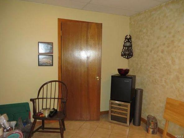 546 Temple Hill, New Windsor, NY 12553 Photo 21
