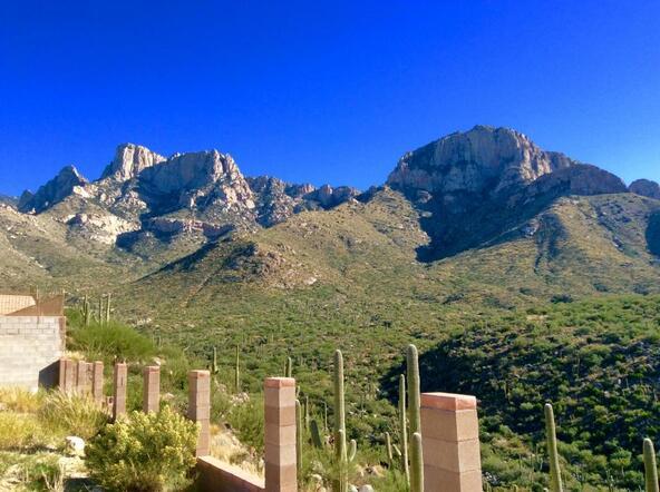 2500 Della Roccia Ct., Oro Valley, AZ 85737 Photo 2