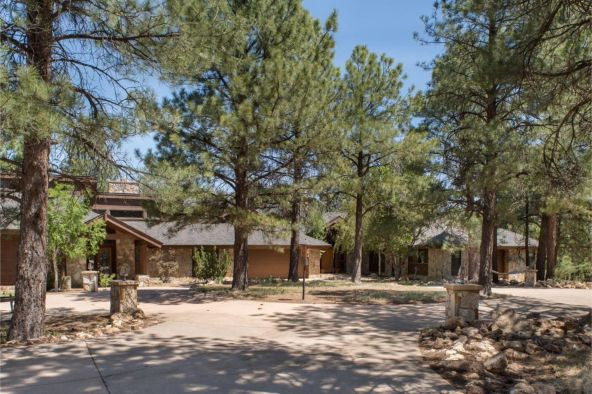 4450 E. Green Mountain Dr., Flagstaff, AZ 86004 Photo 1
