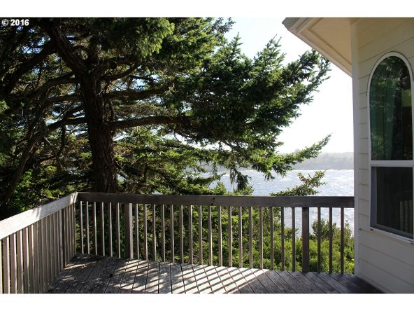 935 Rhododendron Dr., Florence, OR 97439 Photo 19