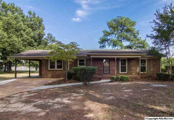 1806 Corrine Avenue S.W., Decatur, AL 35601 Photo 1