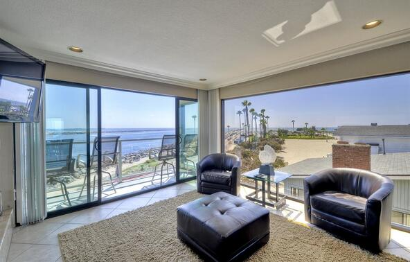 2595 Ocean Front Walk, San Diego, CA 92109 Photo 3
