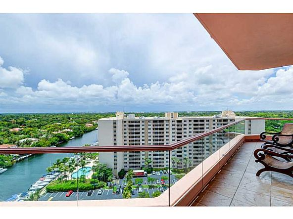 60 Edgewater Dr. # Ph15c, Coral Gables, FL 33133 Photo 2