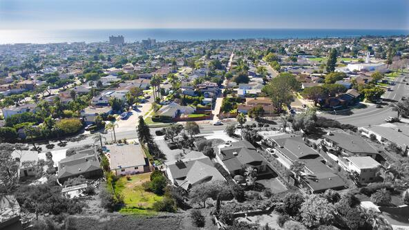 5041 Foothill Blvd., San Diego, CA 92109 Photo 3