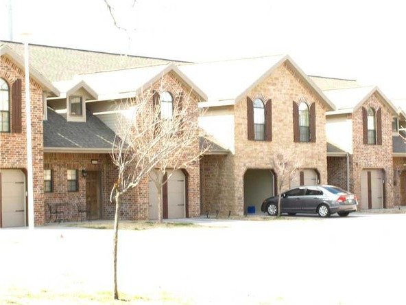 4040 Glenstone Terrace E., Springdale, AR 72764 Photo 2