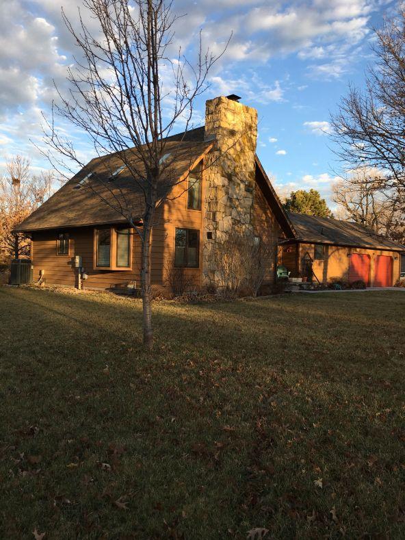 811 Lazy Creek Drive, Newton, KS 67114 Photo 2
