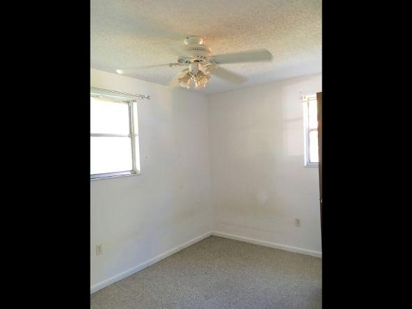 307 59th Ave. Dr. W., Bradenton, FL 34207 Photo 5