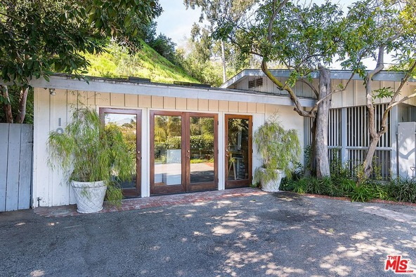 1019 Kenfield Ave., Los Angeles, CA 90049 Photo 2