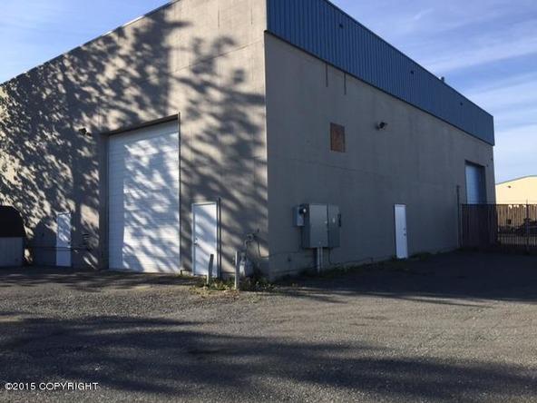 2401 Cinnabar Loop, Anchorage, AK 99507 Photo 4