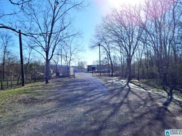 725 Pine Hill Rd., Tarrant, AL 35217 Photo 3