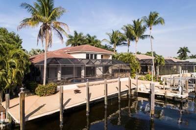 872 Cypress Lake Cir., Fort Myers, FL 33919 Photo 3