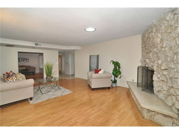 13329 Killion St., Sherman Oaks, CA 91401 Photo 4