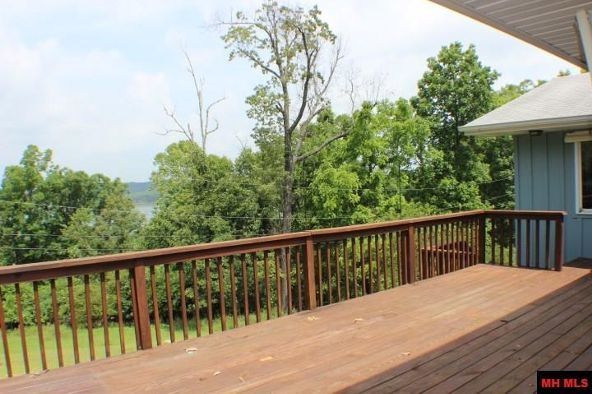 592 Edgewood Bay Dr., Lakeview, AR 72642 Photo 5
