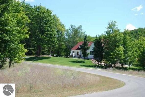 9360 E. Summerfield Dr., Traverse City, MI 49684 Photo 9