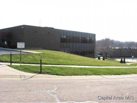 2040 Hill Meadows Dr., Springfield, IL 62702 Photo 2