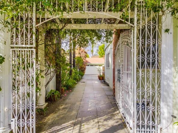 1939 North Hobart Blvd., Los Angeles, CA 90027 Photo 32